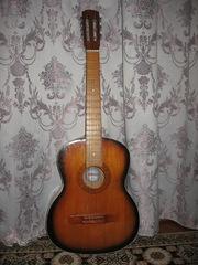 Продам Акустическую шестиструнную гитару Украина дешево!