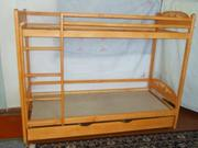Двухярусная кровать новая из дерева ольха.