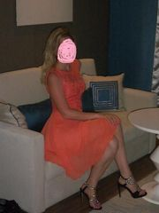 Платье нежно-персиковое