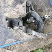 Б/у кронштейн генератора 7700113574 Renault Megane,  Kangoo,  Scenic