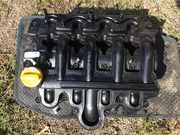 Б/у крышка клапанная пластик,  крышка клапанов 2.2DCI , 2.5DCI Renault ,